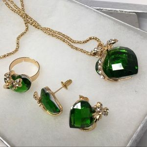 Jewelry - Green Heart Jewelry Set